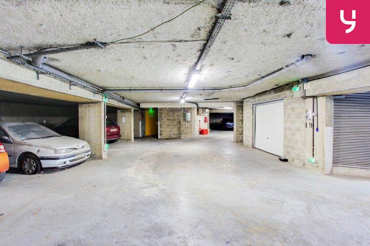 Parking Centre-ville - Bourg-La-Reine (place moto) 24/24 7/7