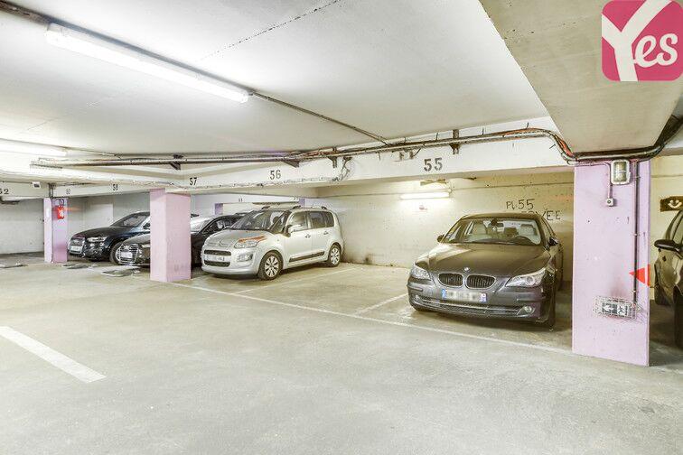 Parking Pyrénées Belleville - Paris 20 location mensuelle