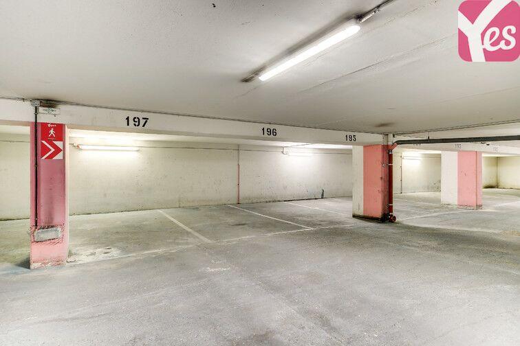 Parking Pyrénées Belleville - Paris 20 garage