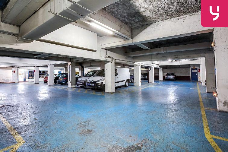 Parking Lamarck - Caulaincourt en location