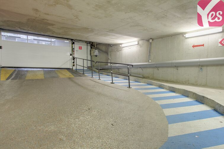 Parking Square Saint-Lambert - Paris 15 en location