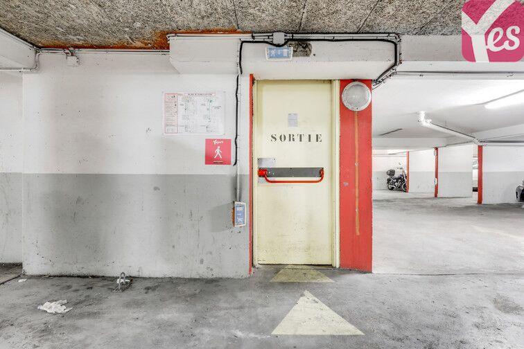Parking Grange aux Belles - Paris 10 garage