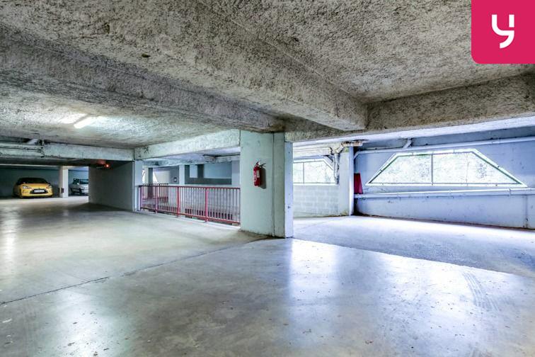 Parking Saint Clair (place moto) sécurisé