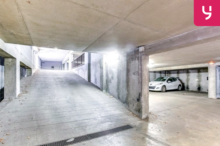 Parking Saint Clair (place moto) 24/24 7/7