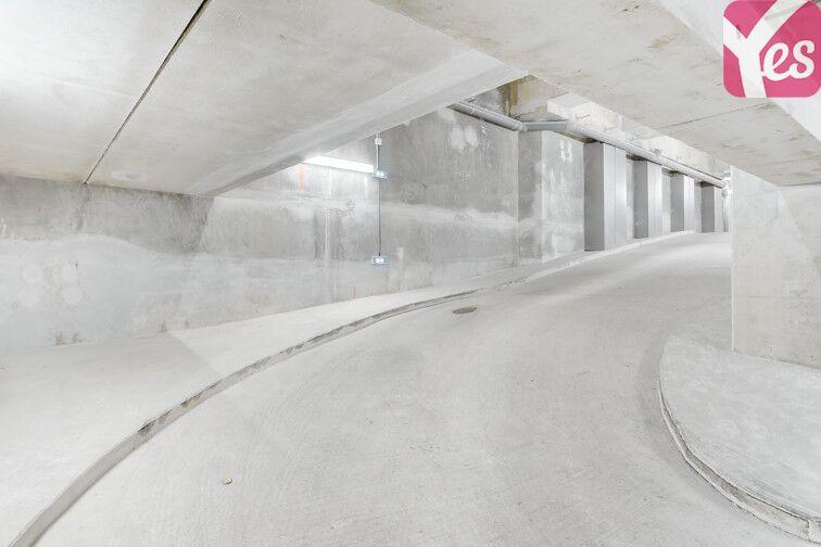 Parking Pont sur la Petite Ceinture - Paris 14 24/24 7/7