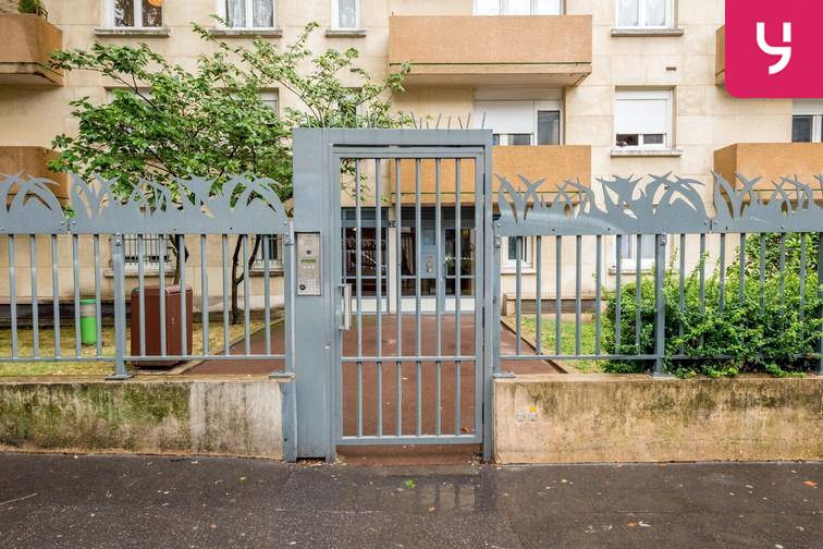 Parking Sambre et Meuse - Paris 10 (place moto) location