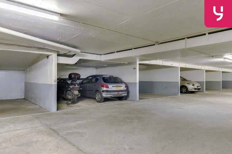 Parking Sambre et Meuse - Paris 10 (place moto) Paris