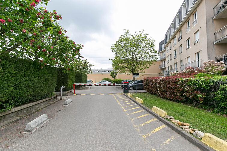 Parking Charles Le Chauve - Roissy-en-Brie en location