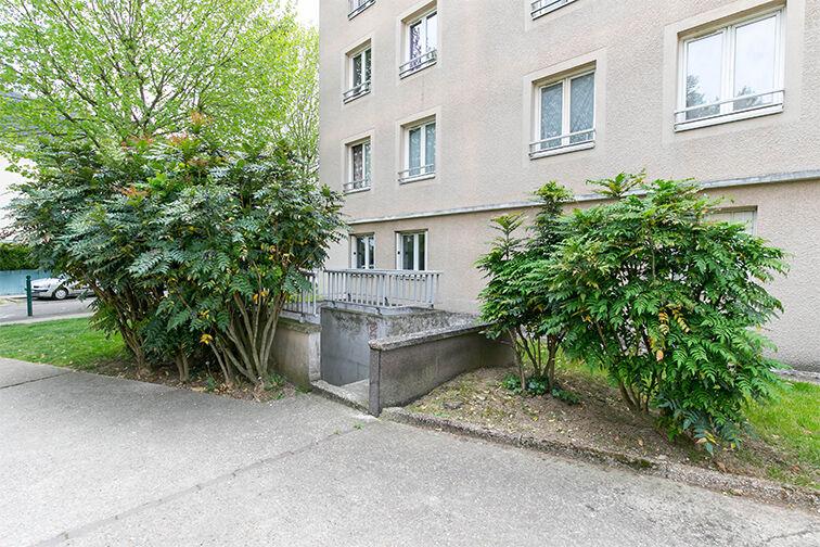 Parking Charles Le Chauve - Roissy-en-Brie 77680