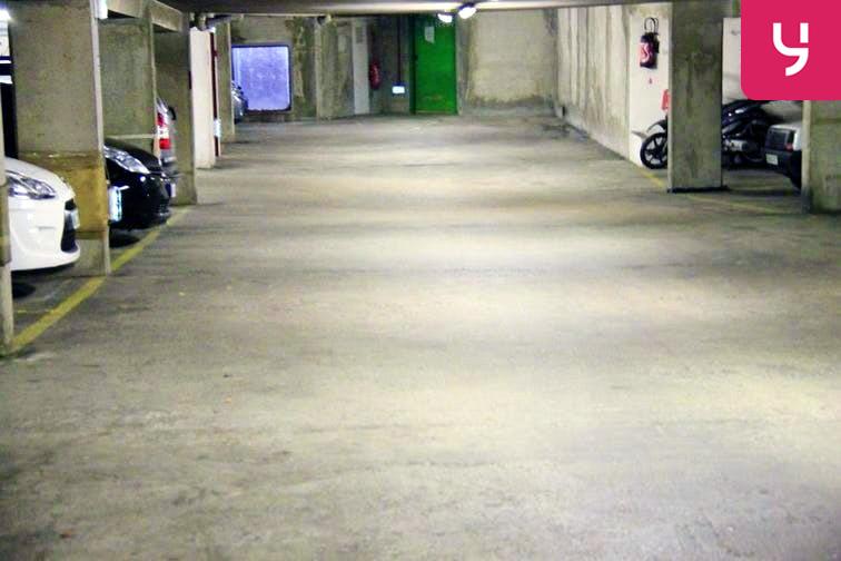 Parking Gare Vaugirard - Paris 15 - Places motos caméra