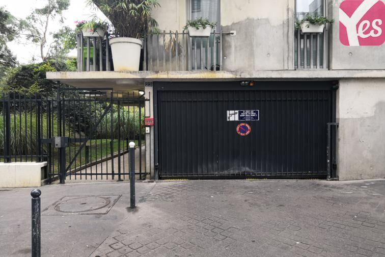 Le parking se trouve 23 rue Albert Roussel