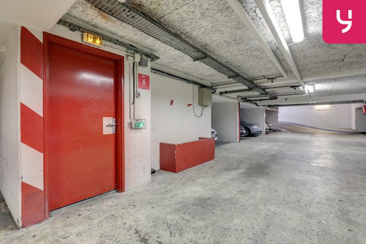 Parking Regard Saint-Martin - Paris 20 (place moto) en location