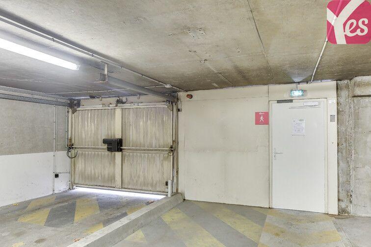 Parking Gentilly - Reine Blanche en location