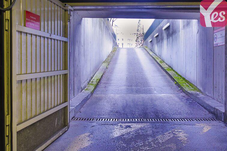 Parking Square Henri Regnault - Puteaux - La Défense gardien