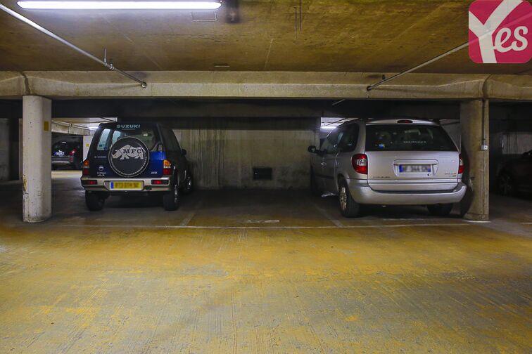 Parking Square Henri Regnault - Puteaux - La Défense garage