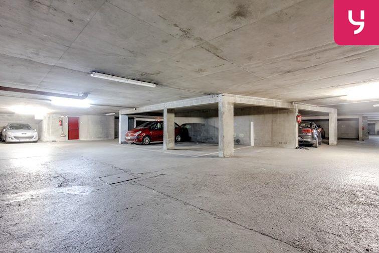 Parking Place Charras - Courbevoie - Gambetta sécurisé