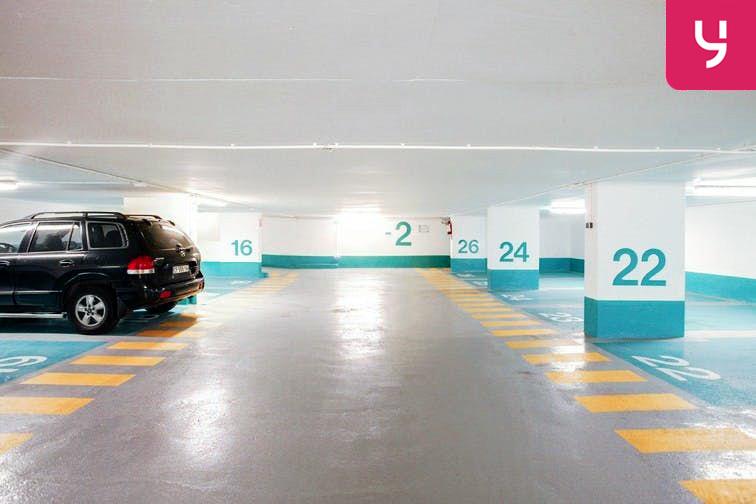 Parcheggio sotterraneo a Torino per posti auto, moto, e furgone