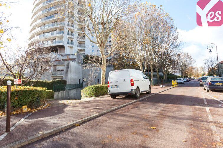 Parking Hippodrome de Saint-Cloud - Fouilleuse gardien