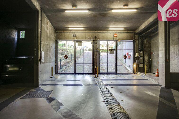 Parking Hippodrome de Saint-Cloud - Fouilleuse caméra