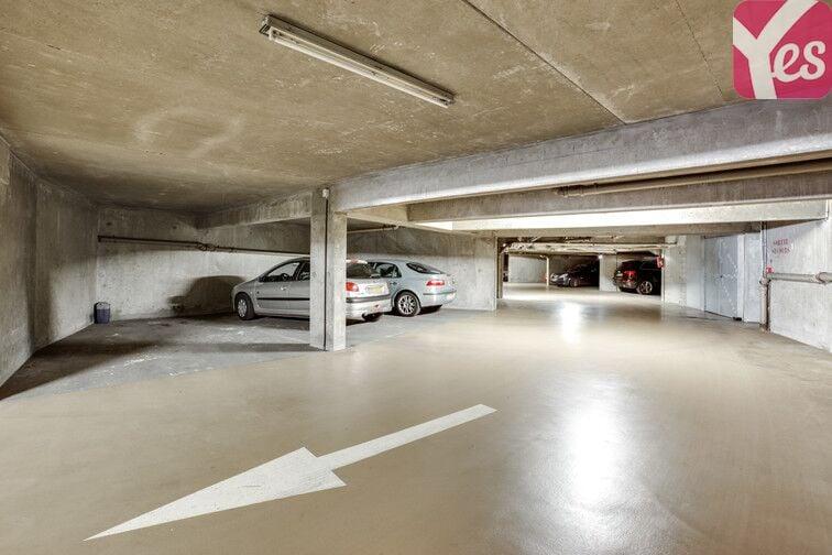 Parking Hippodrome de Saint-Cloud - Fouilleuse box