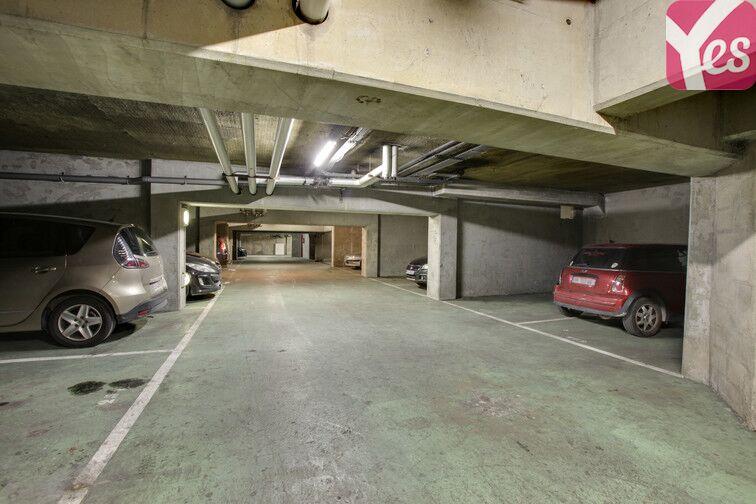Parking Pesaro - Nanterre sécurisé