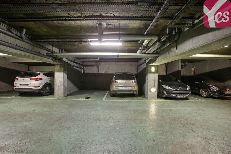Parking Pesaro - Nanterre gardien
