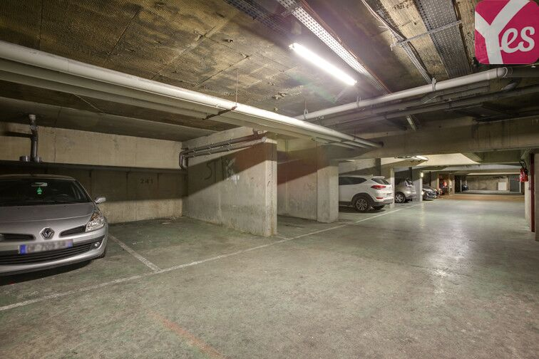 Parking Pesaro - Nanterre location
