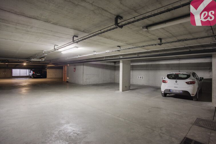 Parking Place du Docteur Pierre - Nanterre 24/24 7/7