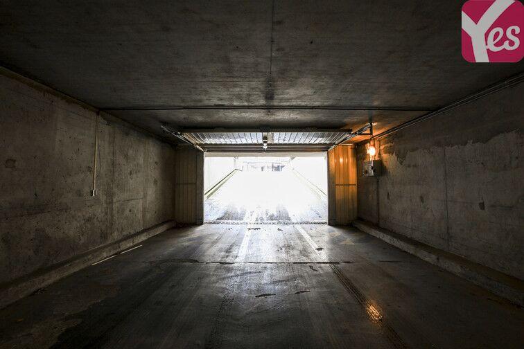 Parking Buttes Chaumont - Est gardien