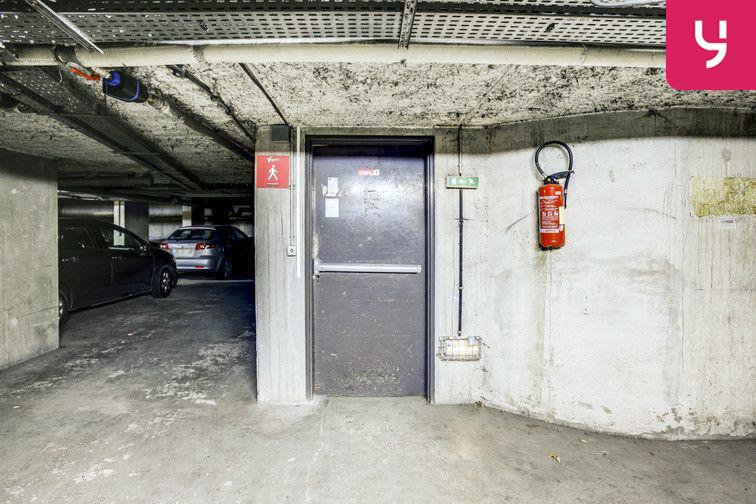 Parking Buttes Chaumont - Est en location