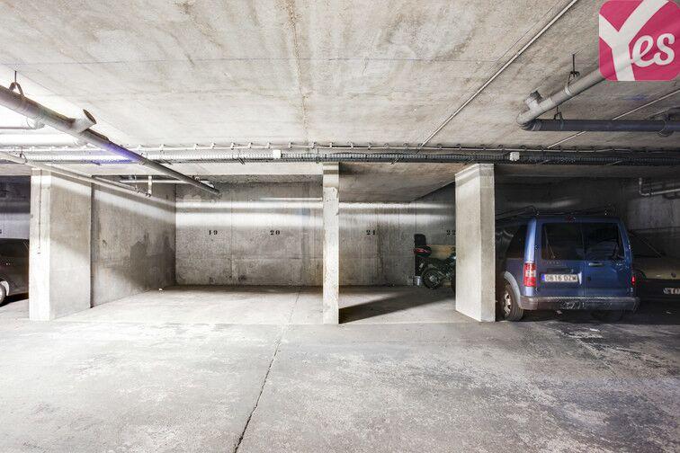 Parking Buttes Chaumont - Est pas cher