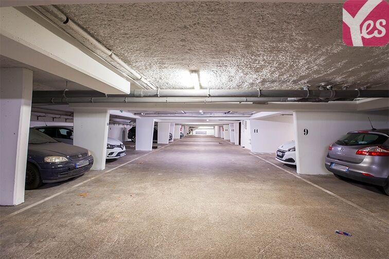 Parking Rueil-Malmaison RER en location