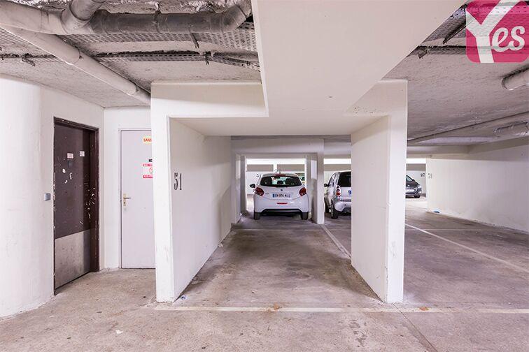 Parking Rueil-Malmaison RER caméra