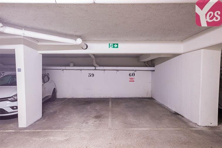 Parking Rueil-Malmaison RER pas cher
