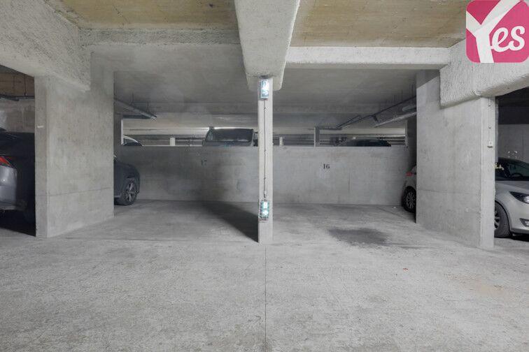 Parking Couronnes - Parc de Belleville location