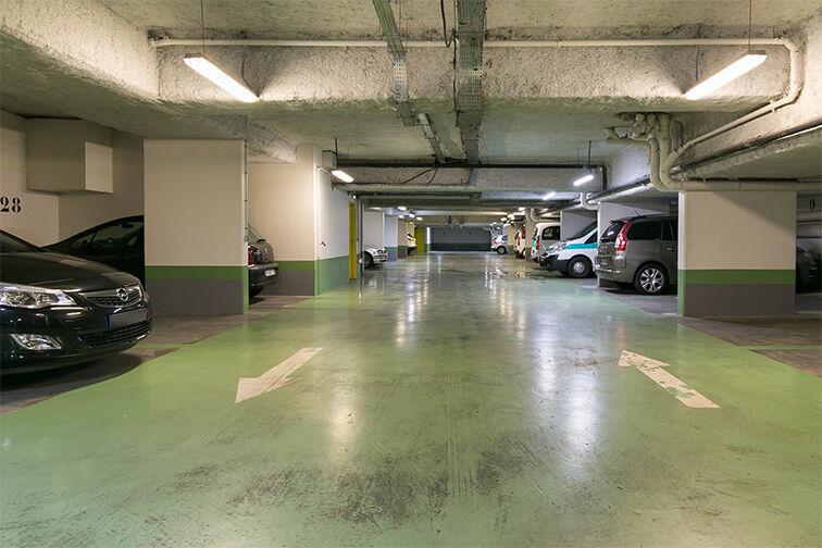 Parking Gare RER Issy - Issy-les-Moulineaux garage