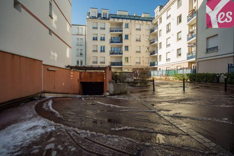 Parking Métro Pierre et Marie Curie pas cher