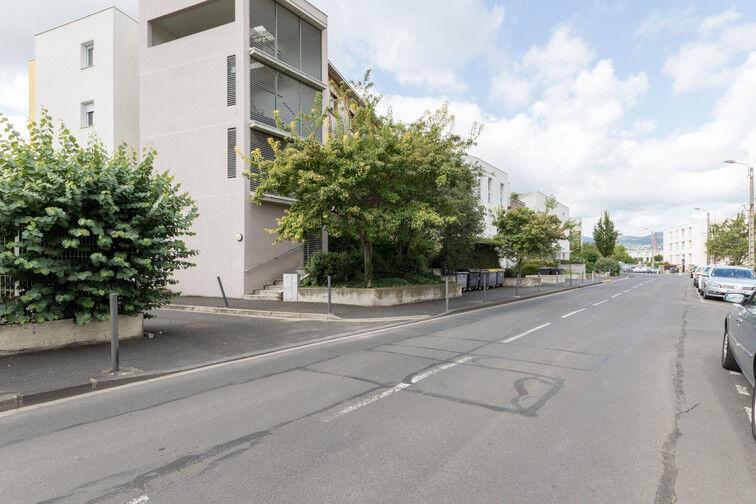 Parking Stade Marcel-Michelin - extérieur gardien