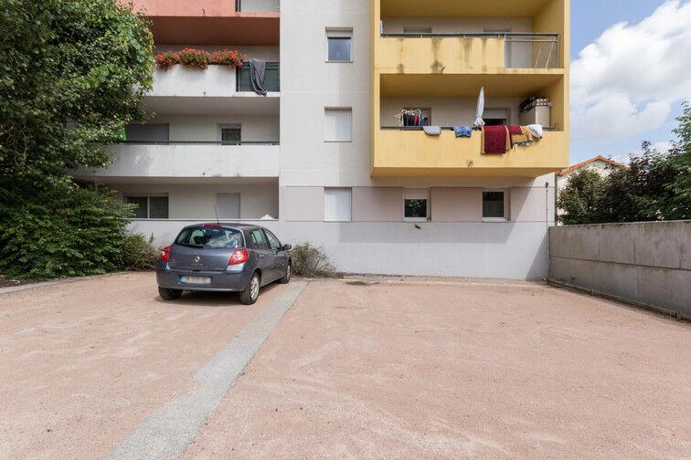 Parking Stade Marcel-Michelin - extérieur 11 rue du Clos Four