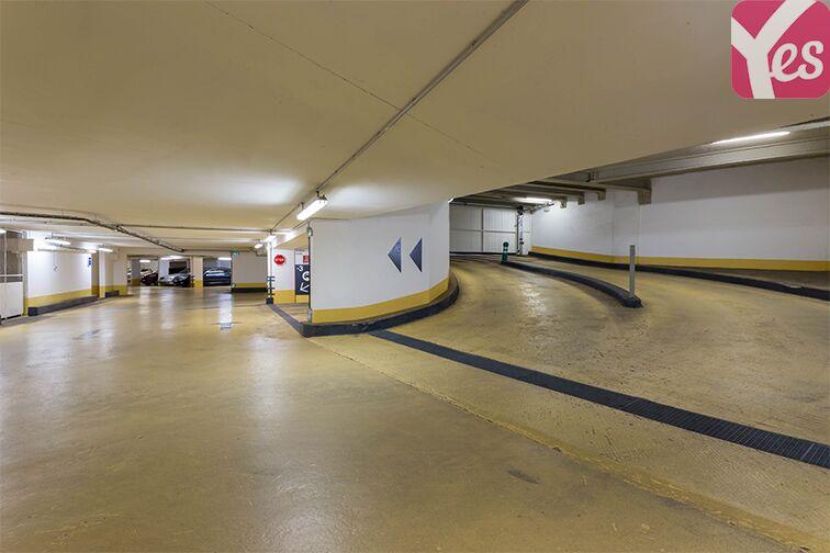 Parking Courbevoie - Hôtel de ville - Victor Hugo Courbevoie