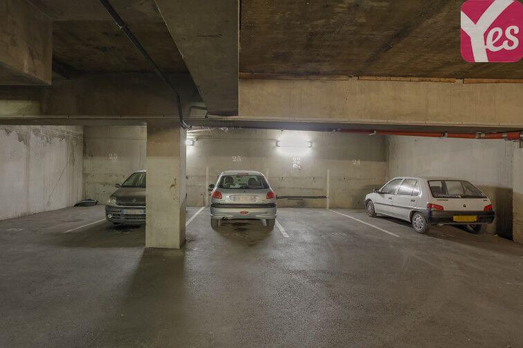 Parking Colbert - Hôtel de la Région - Marseille rue des Hugolins