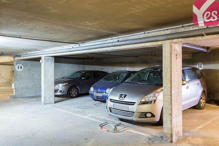 Parking Quai du Président Paul Doumer garage