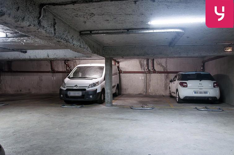 Parking Marcadet (place double) location
