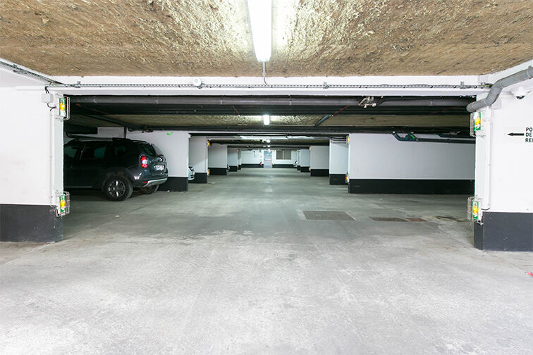 Parking Place Centrale - Sevran gardien