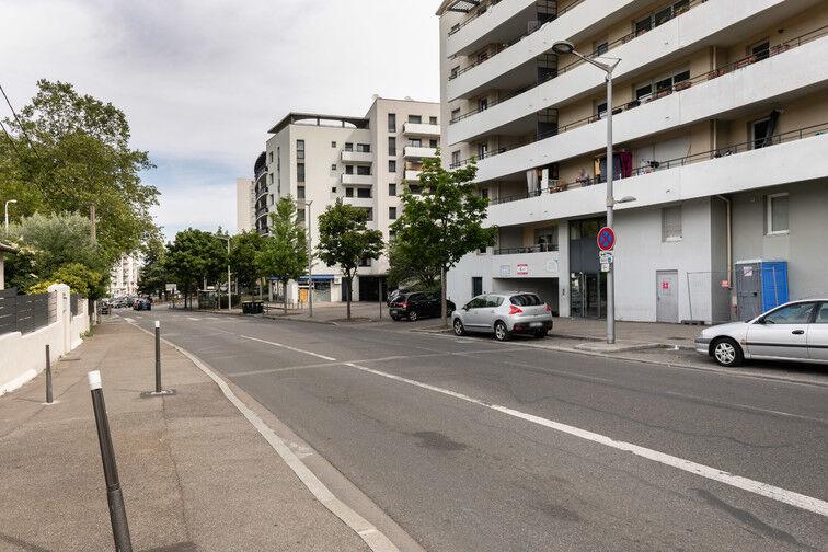 Parking Faculté de médecine Laennec - Lyon avis