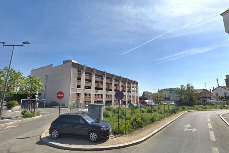 Parking Gare de Houilles - Place André Malraux - Houilles sécurisé