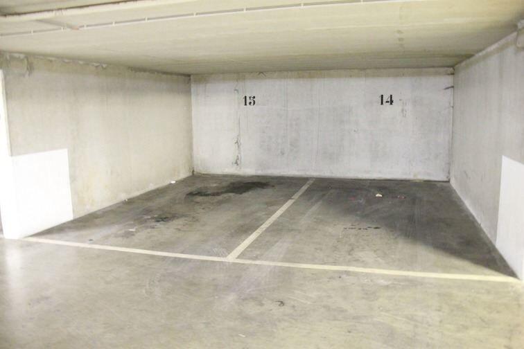 Parking Crimée garage