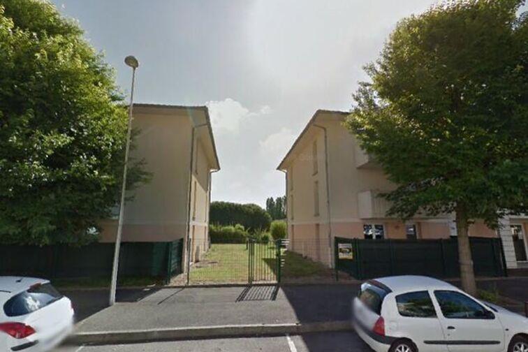 Parking Place du Champ Chardon - Orléans location