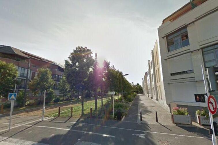 Parking Bustière - Fleury-les-Aubrais Rue de la Bustière