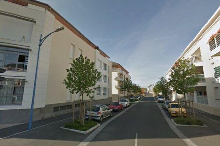 Parking Bustière - Fleury-les-Aubrais box